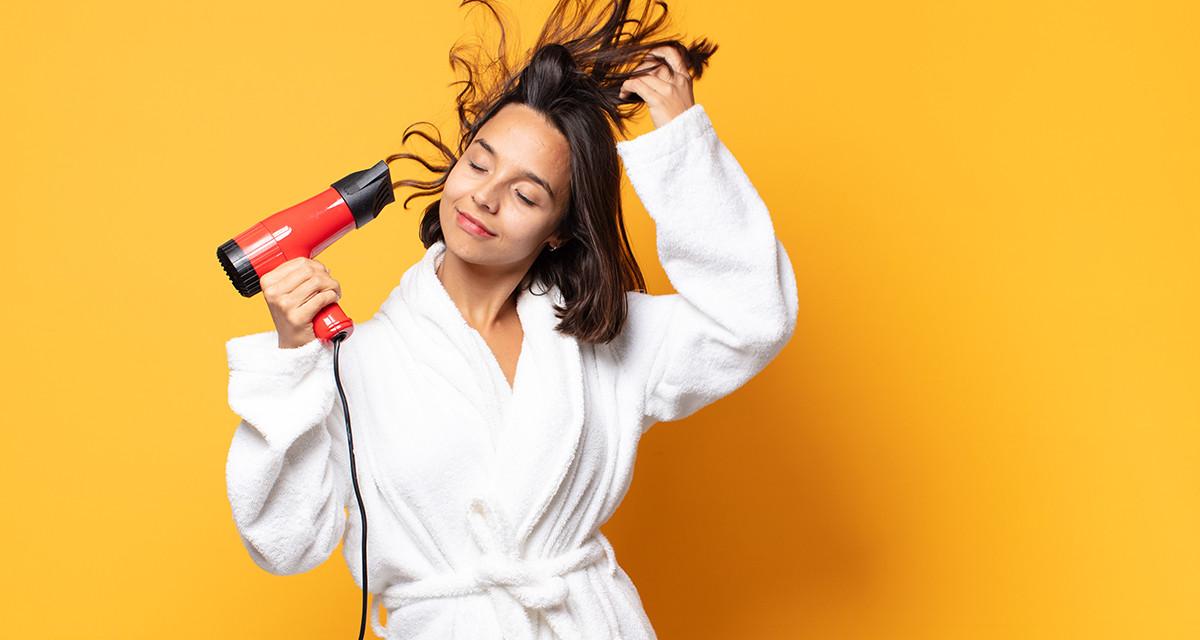 ¿Cómo secar correctamente tu cabello?